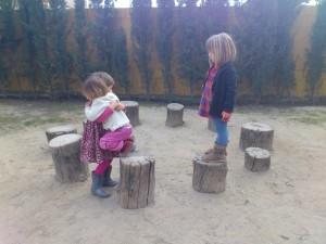 Los niños tienen la oportunidad de tratarse con niños de diferentes edades, lo que enriquece las relaciones